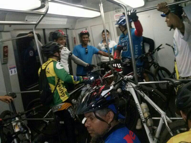 metrô bicicleta vagão